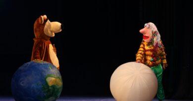 В КДЦ «Губернский» состоялся спектакль «Полет над Землей»
