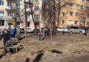 Смоленск продолжают убирать от грязи и мусора