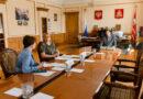 Алексей Островский провел совещание, посвященное итогам ЕГЭ